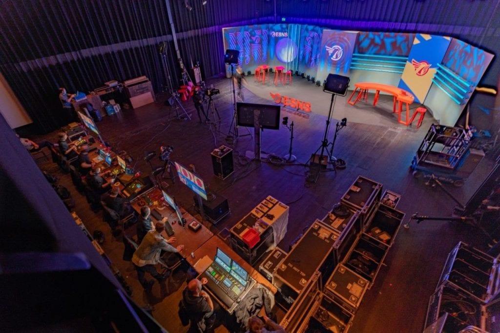 choosing a hybrid event venue